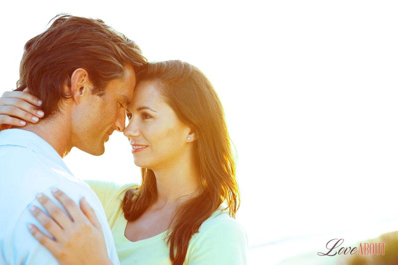 Как понять что мужчина козерог влюблен в тебя? 27-3