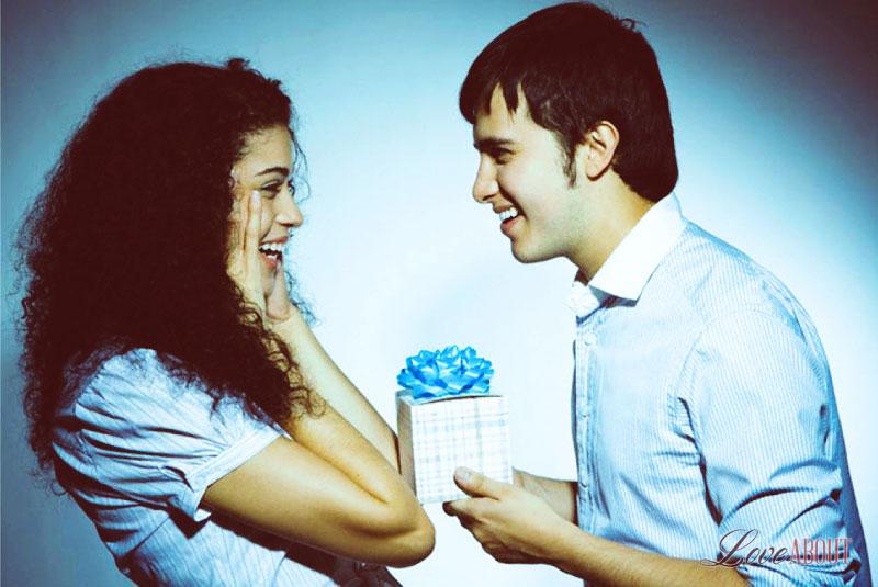 Что подарить девушке на полгода отношений: удиви свою избранницу 3-3
