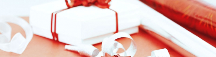 Что подарить девушке на годовщину отношений: классические и креативные варианты