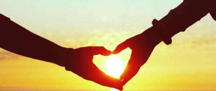 Что подарить девушке на месяц отношений: варианты сюрпризов